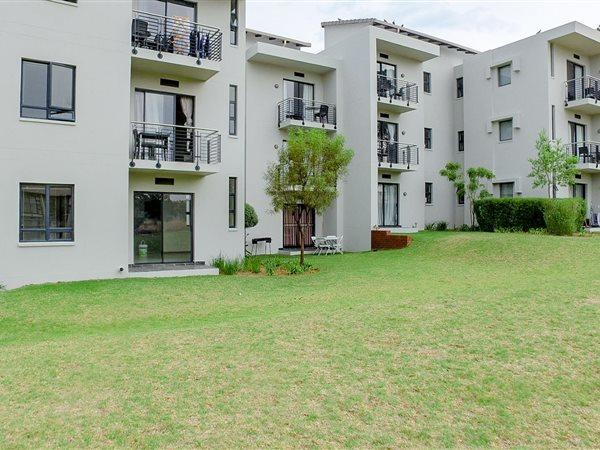 Property For Sale in Jackal Creek Golf Estate, Roodepoort 18