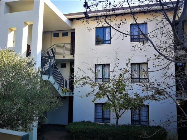 Property For Sale in Jackal Creek Golf Estate, Roodepoort 11