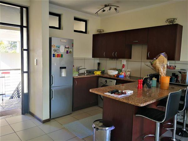 Property For Sale in Jackal Creek Golf Estate, Roodepoort 6