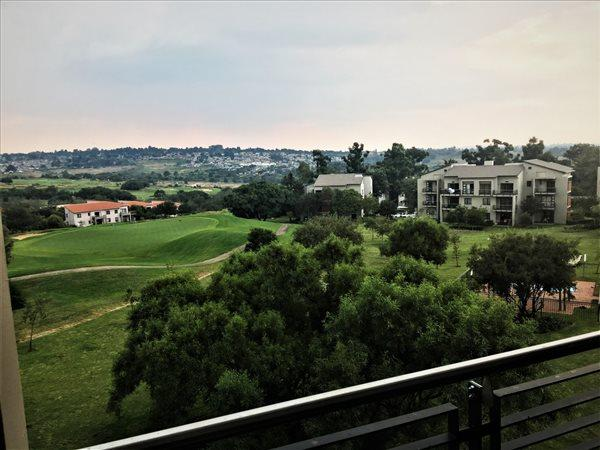 Property For Sale in Jackal Creek Golf Estate, Roodepoort 14