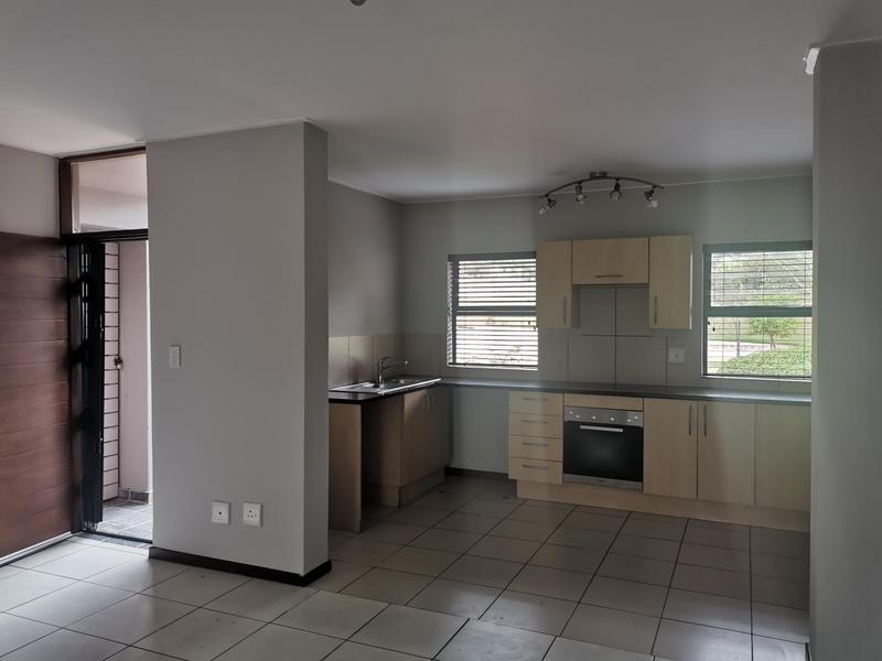 Property For Sale in Jackal Creek Golf Estate, Roodepoort 2