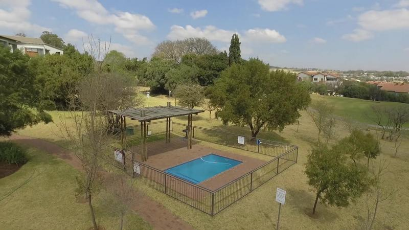 Property For Sale in Jackal Creek Golf Estate, Roodepoort 17