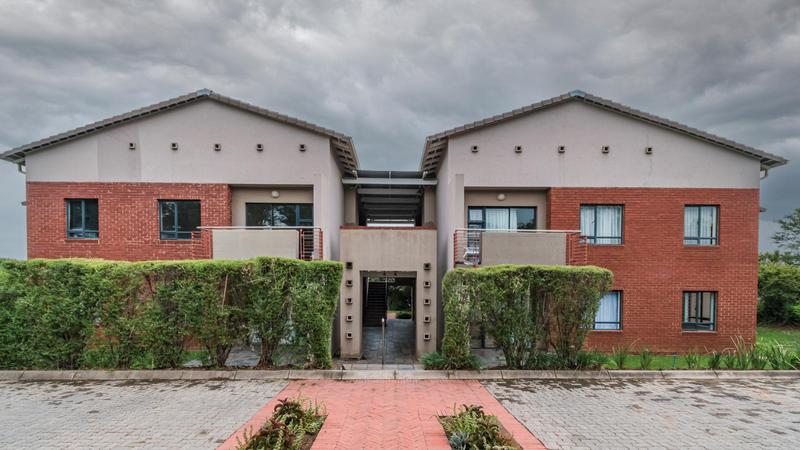 Property For Sale in Jackal Creek Golf Estate, Roodepoort 25